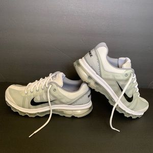Other - Nike Air Max 2009 mens shoes size 11